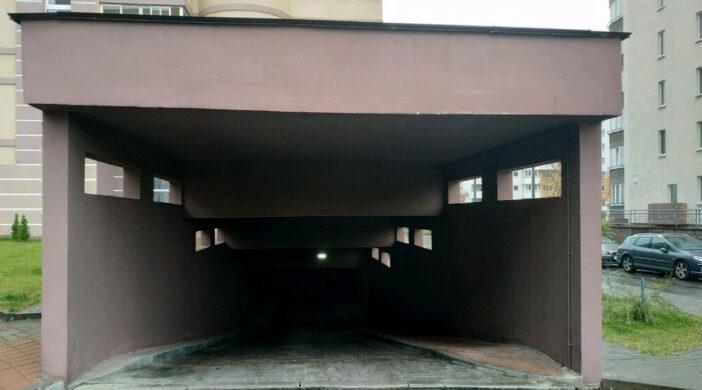 Гараж-парковка в элитной недвижимости Санкт Петербурга